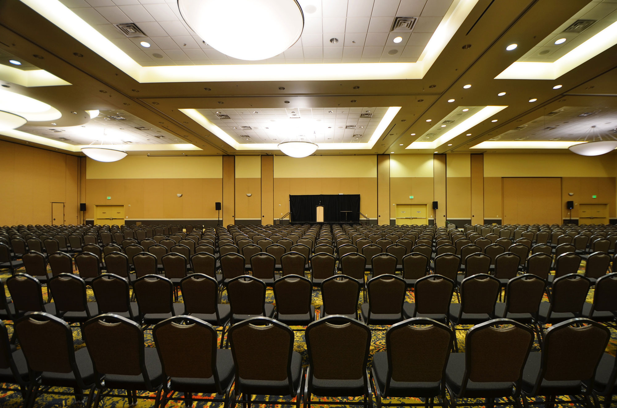 davis-conference-center-interior12-985e4efd87711110f3a2f74dfa6ec7bdb8eb9ddfaf470e14cdde39c7c5b0fa18
